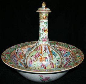 Chinese Qing Export Porcelain Rose Mandarin Bathing Set